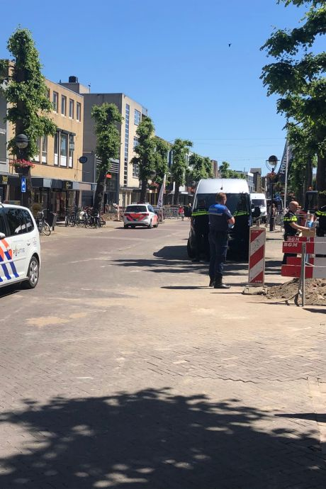 Viertal uit Arnhem, Duiven en Rhenen vast na inval in woning om drugs