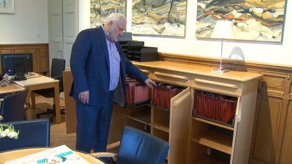 VIDEO. Zo 'leeg' treft burgemeester Jean-Marie Dedecker het gemeentehuis in Middelkerke aan