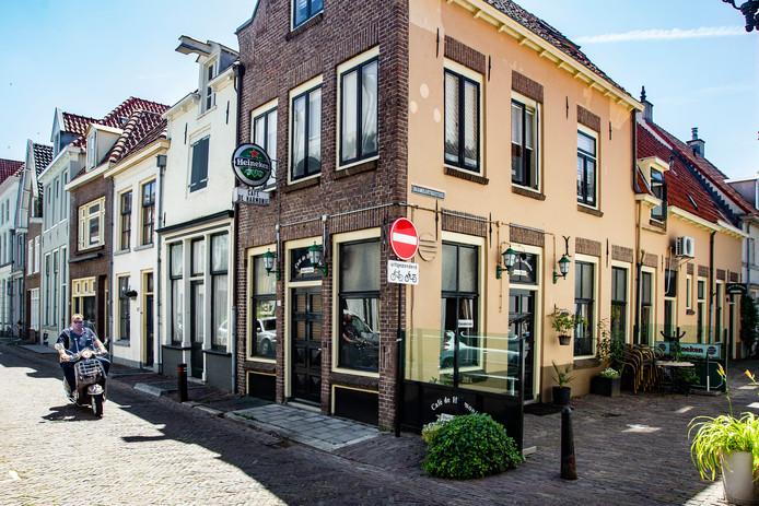 Café de Harmonie in Deventer was één van de horecagelegenheden die werd getroffen door inbrekers.