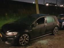 Weer raak in Vlaardingen: drie auto's verwoest door brand