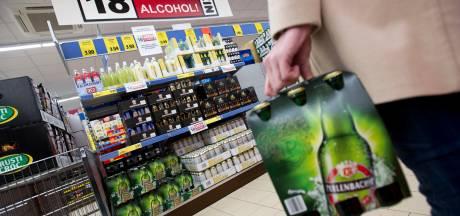 Politiebond ANPV: Maak einde aan thuisfeestjes en stel compleet alcoholverbod in