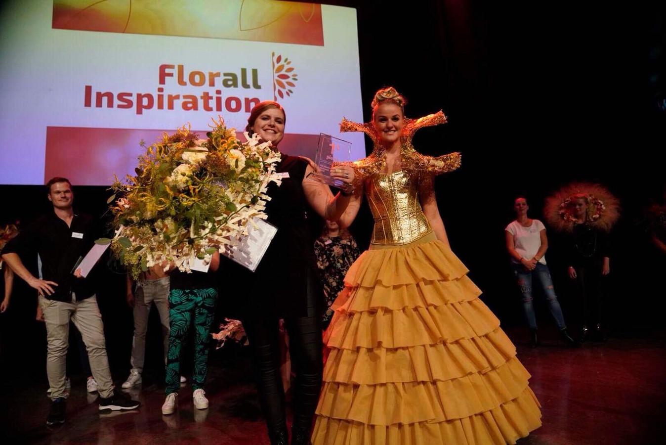 Winnares Hanneke is Nederlands kampioen bloemschikken.