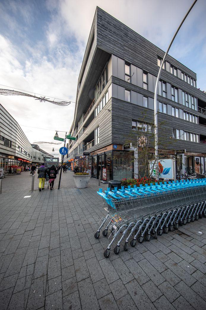 VolkerWessels-dochter Loostad gaat de strijd aan met Dura Vermeer over de uitbreiding van het Zwolse winkelcentrum Stadshagen.