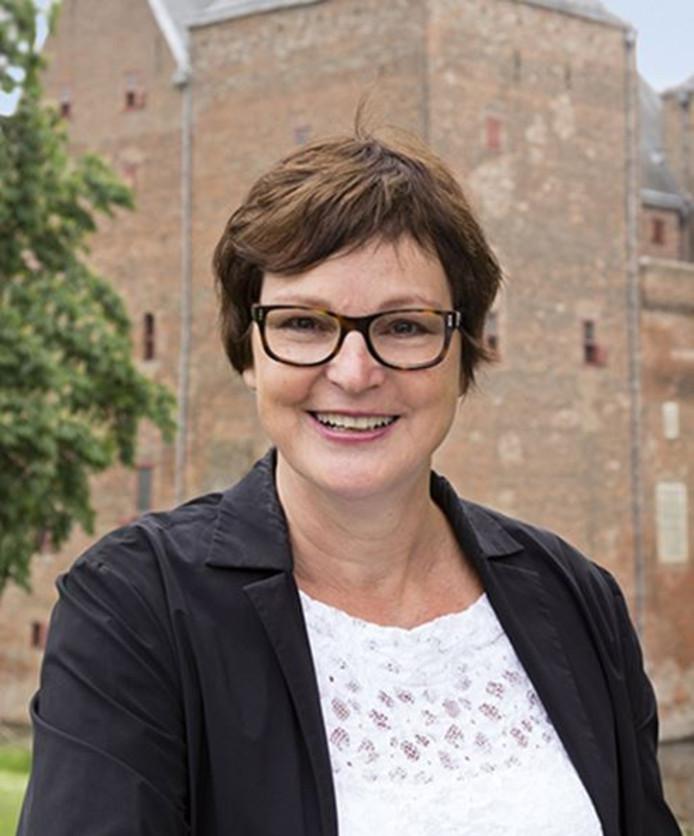 Ien Stijns treed af als directeur van Stichting museum Slot Loevestein