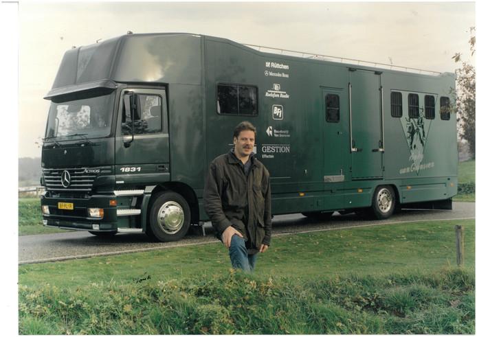 Johnny Roelofsen begon zijn bedrijf als eenmanszaak in Raalte.