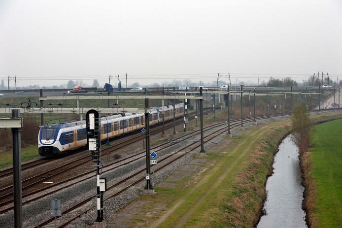 De sprinter tussen Geldermalsen en Den Bosch.