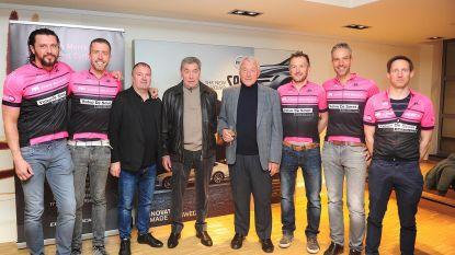 Sporticonen wuiven Giro-fietsers uit