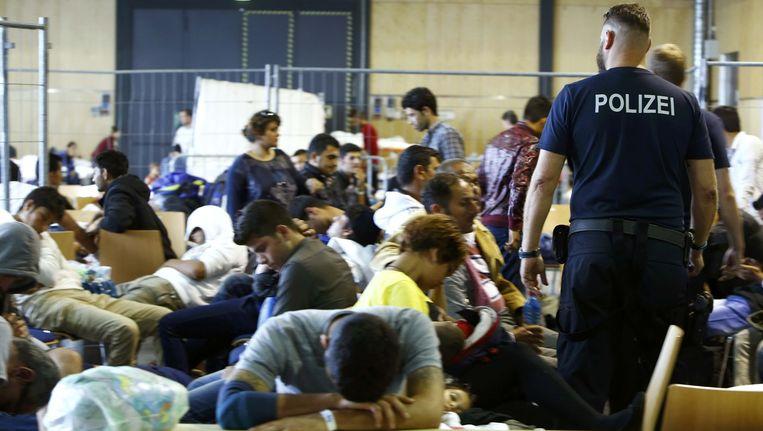 De situatie enkele dagen geleden in een geïmproviseerd opvangcentrum voor asielzoekers in Passau.