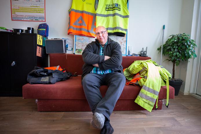 Verkeersregelaar Jim van Kooten.