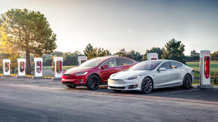 Tesla heeft zijn eigen snellaadsysteem: de Superchargers