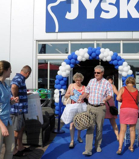 Veel drukte bij opening Jysk in Oostburg