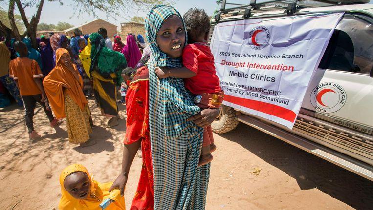 Een mobiele kliniek van het Rode kruis bezoekt Gabiley, Somaliland. Beeld null