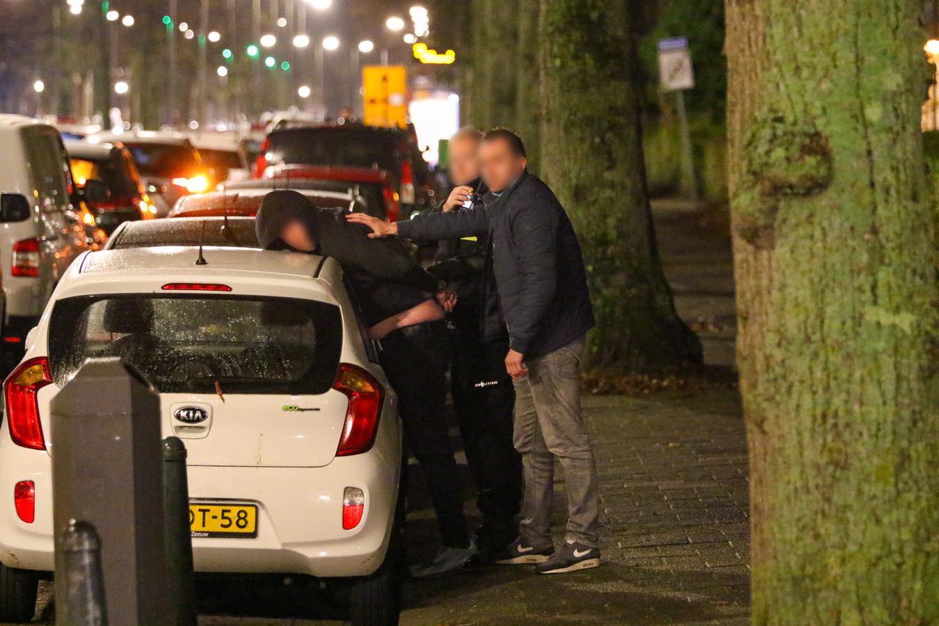 Na de woningoverval werden twee verdachten aangehouden door de politie.
