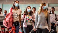 LIVE. Eerste persoon in Nederland besmet met coronavirus, twee nieuwe gevallen in Duitsland en eerste besmetting in Nigeria