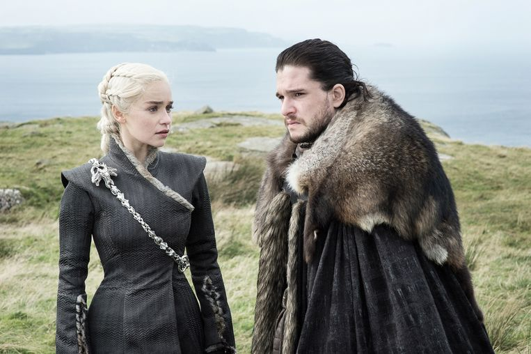 Game of Thrones; seizoen 7. Op de foto: Emilia Clarke (Daenerys Targaryen) en Kit Harington (Jon Snow).
