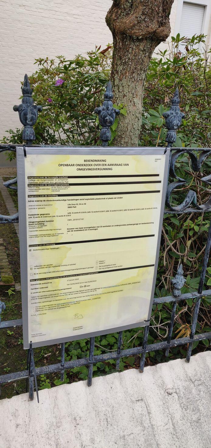 Dit gele papier met de aankondiging van het openbaar onderzoek veroorzaakte heel wat bezorgdheden.