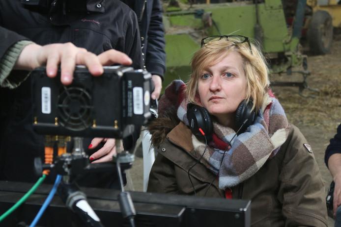 Cineaste Jeannice Adriaansens tijdens de opnames van de film Springtij.