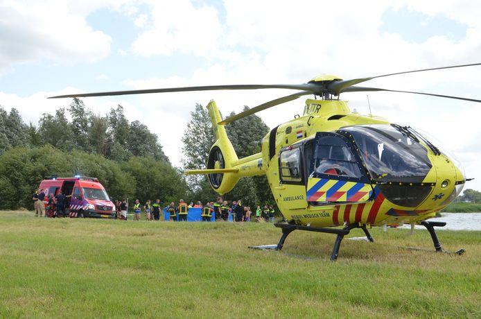 Naast een ambulance werd ook een traumahelikopter opgeroepen om het slachtoffer te helpen.