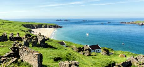 Stelletje gezocht dat deze zomer Iers privé-eiland wil beheren
