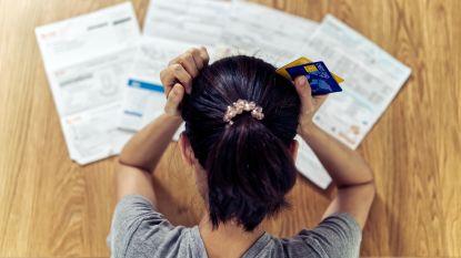 Schoonmakers en notarisbedienden starten jaar met minder loon