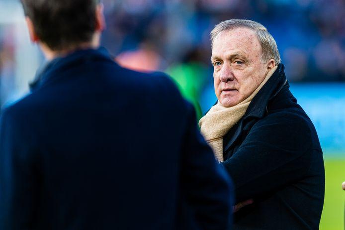 Dick Advocaat zag Feyenoord ondanks een valse start winnen van RKC Waalwijk.