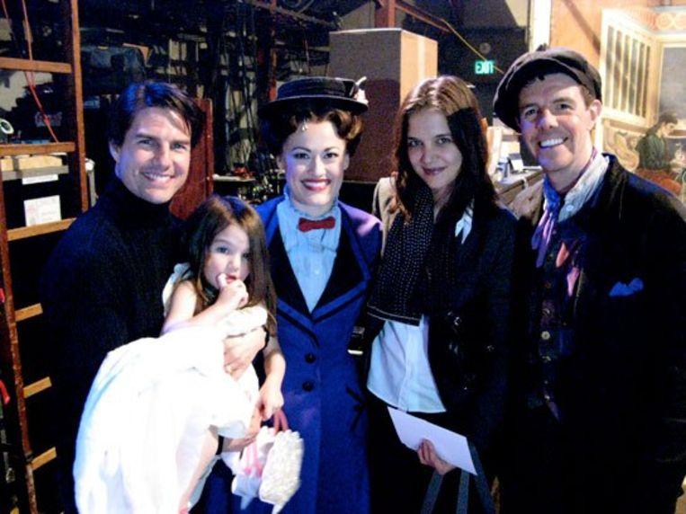 Het gezin Cruise met Mary Poppins. Intussen zijn Tom en Katie al jaren gescheiden.