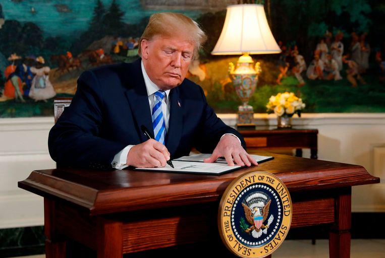 Met één pennentrek maakte Trump gisteren een einde aan één van de belangrijkste verwezenlijkingen van zijn voorganger Barack Obama.