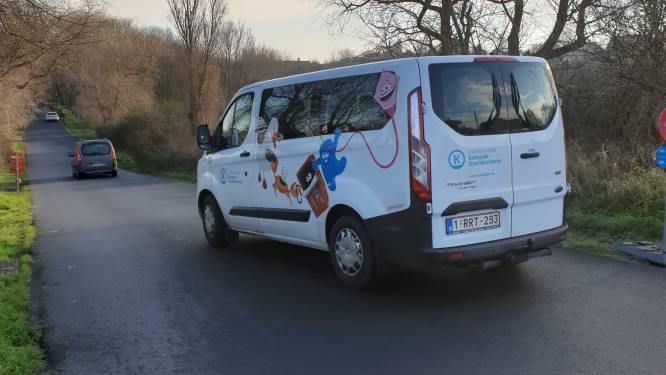 Nu chauffeurs van De Lijn nog steeds niet willen rijden, legt Koksijde dit weekend zélf een busje in