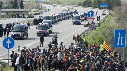 Separatisten blokkeren straten en snelwegen na arrestatie Puigdemont