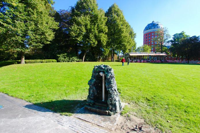 Watertappunt in park Valkenberg Breda.
