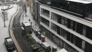Enkele moedige marktkramers trotseren sneeuw