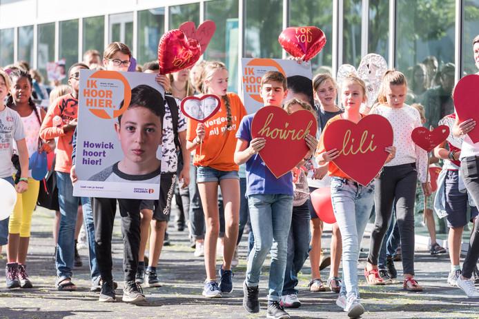 Hartentocht tegen uitzetting Armeense kinderen