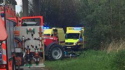 Tractor rijdt over wielertoeristen: dode en zwaargewonde bij tragisch ongeval in Ardooie