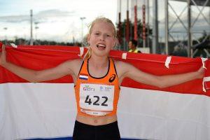 Atletiektalent Anna Hightower uit Arnhem loopt vrijdagavond de kwalificatiewedstrijd voor de finale van de 3.000 meter zondag in het Zweedse Borås.