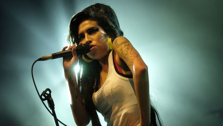 Amy Winehouse in 2007 op het Eurockeennes Music Festival in Belfort Beeld ANP
