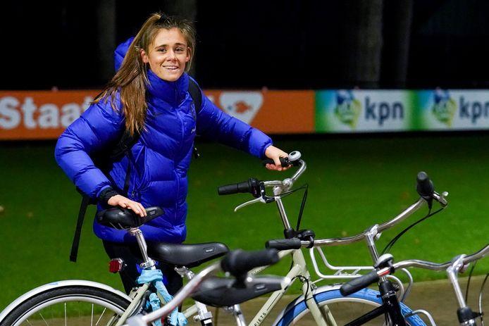 Joëlle Smits gisteravond op de training van Oranje in Zeist.