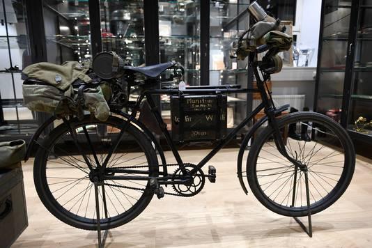 Ook een fiets van de nazi's werd geveild.