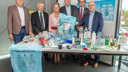 Vanaf deze week mag er meer plastic in de pmd-zak: miljoen Vlamingen gebruiken voortaan 'Nieuwe Blauwe Zak'