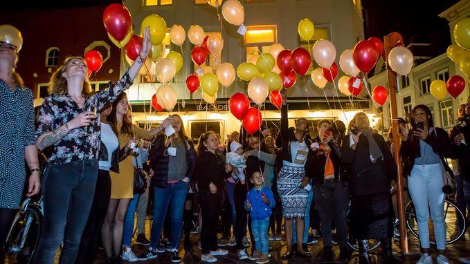 Vrienden komen samen in stamcafé om verongelukte studente (22) te herdenken
