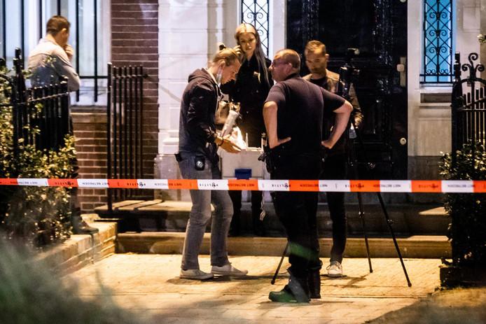Politie doet onderzoek voor het Turkse consulaat bij het Museumplein.