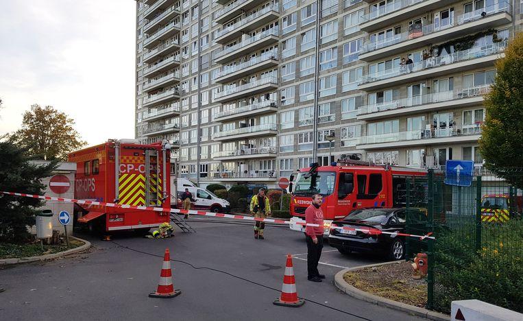De brandweer en de watermaatschappij kwamen langs om het lek te herstellen en het water weg te pompen.