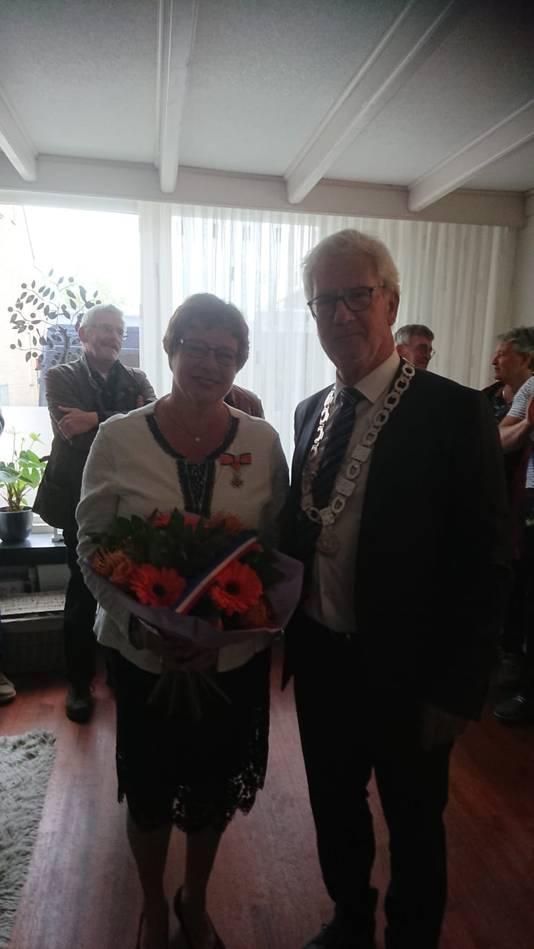 Bernadet Cruijsberg-Vervoort (61, Zevenbergschen Hoek) - Lid in de Orde van Oranje-Nassau