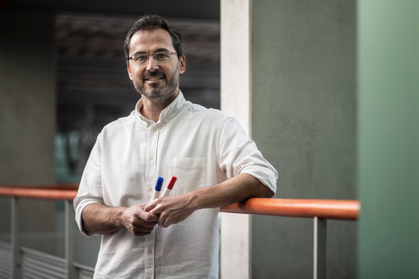 PR dgfoto Gelderlander Nijmegen: dr. Daniel Blanco van de Radboud Universiteit heeft zijn derde onderwijsprijs gewonnen.