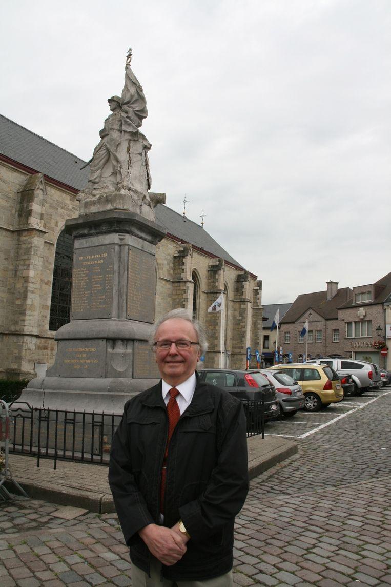 Hubert Topke ziet de verhuis van het monument niet zitten.