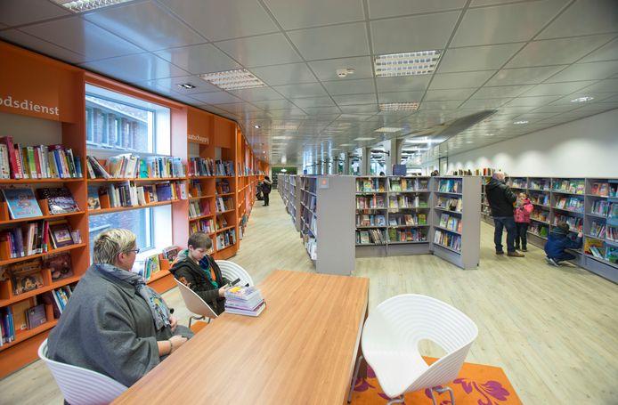 De bibliotheek van Veenendaal op archiefbeeld.