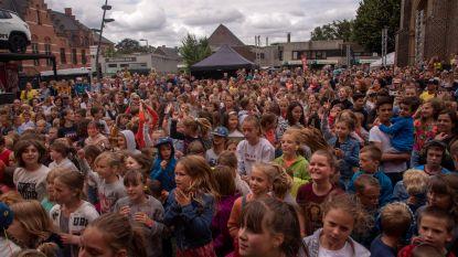 Volle bak ambiance op zaterdag en kinderen baas op zondag op Merelbeke Feest 2.0.