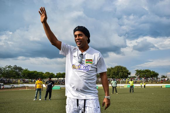 Begin november was Ronaldinho nog in Kenia te bewonderen.