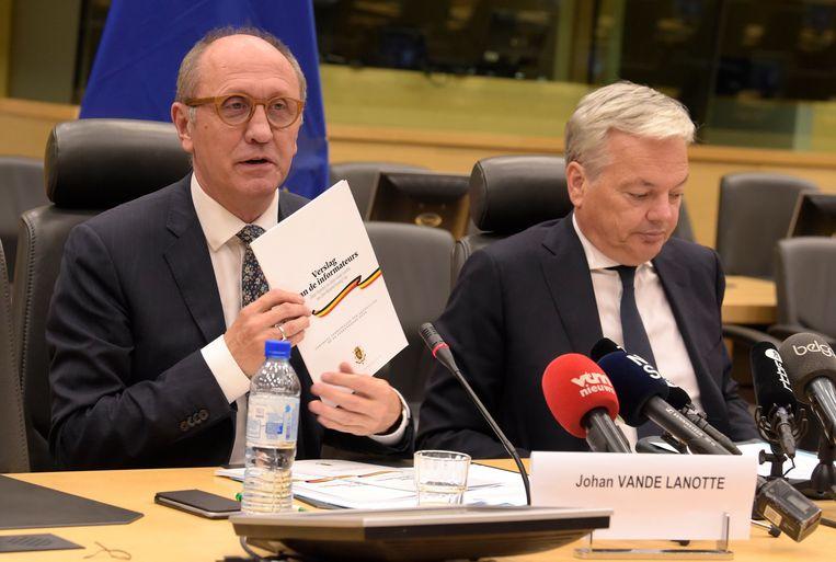 Vande Lanotte en Reynders geven meer uitleg op een persconferentie.