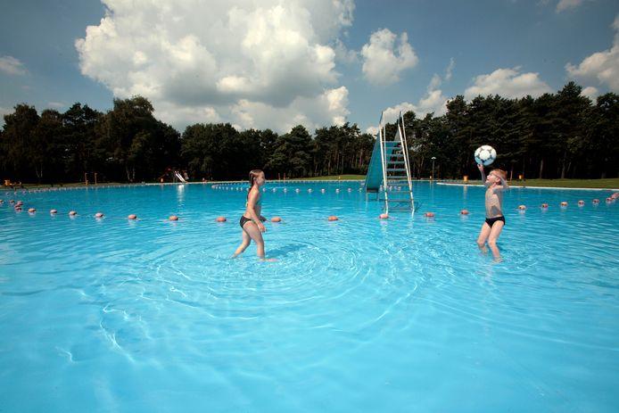 Buitenbad De Wedert in Valkenswaard gaat per 1 juli weer beperkt open.