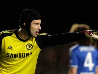 Opvallend: Chelsea schrijft Cech in voor Premier League, staat doelman straks weer onder de lat?